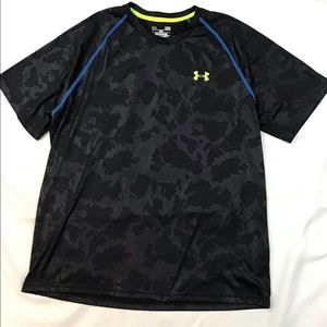 Under Armour Loose Heat Gear Size Large NWOT